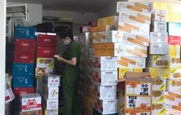 Phát hiện hơn nửa tấn bánh kẹo không rõ nguồn gốc xuất xứ tại Hà Nội