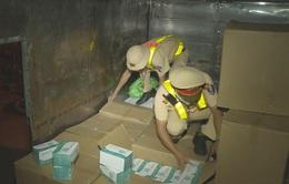 Xe tải vận chuyển hơn 67.400 chiếc khẩu trang y tế không rõ nguồn gốc