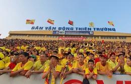 Nam Định bị phạt vì hành động phản cảm của CĐV