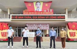 Các cầu thủ ĐT Việt Nam chung tay chống dịch COVID-19