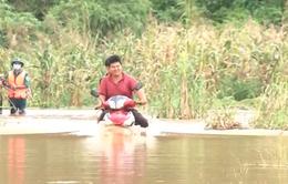 Mưa lớn gây ngập sâu, nhiều hộ dân tại Đăk Nông bị cô lập