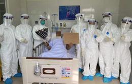 Chữa khỏi cho bệnh nhân mắc COVID-19 rất nặng ở Đà Nẵng