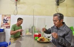 """Các nhà hàng, quán ăn chuẩn bị """"tái đấu"""" với COVID-19"""