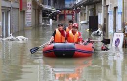 Trung Quốc nâng mức báo động lũ lụt và bão tại nhiều địa phương