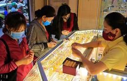 Giá vàng tiếp tục đà giảm, mất mốc 57 triệu đồng/lượng