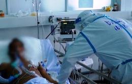 Nỗ lực điều trị bệnh nhân chạy thận nhân tạo mắc COVID-19
