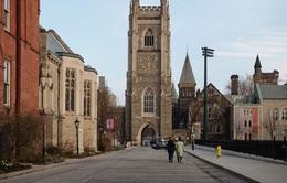 Mỹ kêu gọi các trường đại học rút vốn khỏi cổ phiếu Trung Quốc