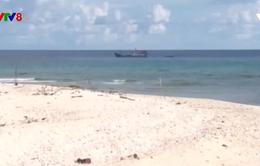 """Philippines phản đối Trung Quốc """"tịch thu ngư cụ trái phép"""" trên Biển Đông"""