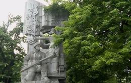 Báo động sự xuống cấp hệ thống tượng đài tại Hà Nội