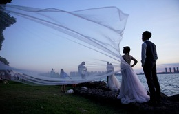 Thành phố váy cưới tại Trung Quốc ảm đạm mùa dịch bệnh