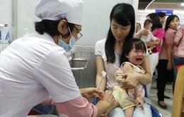 Sợ COVID-19, nhiều phụ huynh không đưa con đi tiêm chủng