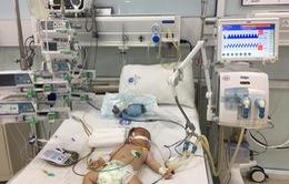 Mắc rối loạn chuyển hóa hiếm gặp, bé trai 4 tháng tuổi người H'Mông cần giúp đỡ