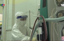 Ca làm việc của điều dưỡng tại khu điều trị Covid-19