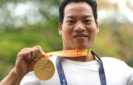 Lực sỹ khuyết tật Lê Văn Công: Bán huy chương, trồng ngô gửi tặng đồng đội