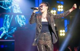 """Xuất hiện rapper 17 tuổi khiến sân khấu King Of Rap """"nổ tung"""""""