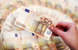"""Đồng Euro tăng giá """"đe dọa"""" sự phục hồi kinh tế của EU?"""