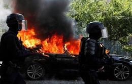 """Phe biểu tình  """"áo vàng"""" trở lại Paris bất chấp dịch COVID-19"""
