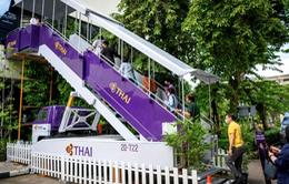 """Nhớ """"bầu trời"""", Thái Lan mở quán cafe máy bay cho những khách """"thèm"""" đi du lịch"""