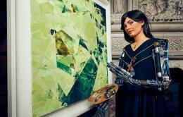 """Nghệ sĩ """"robot"""" mở triển lãm tranh đầu tiên tại Anh"""
