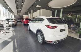 Giá ô tô đua nhau giảm: Xuống tiền mua ngay hay đợi sang năm?