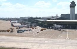 Đóng cửa 3 sân bay,  hàng loạt chuyến bay hủy và hoãn do bão số 5