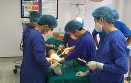 Thực hiện đồng thời 3 phẫu thuật cứu bệnh nhân bị chấn thương nặng