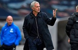 Mourinho đá xoáy FA sau trận thua Newcastle