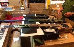 Hàng trăm khẩu súng đồ chơi bắn đạn nở nguy hiểm bị thu giữ