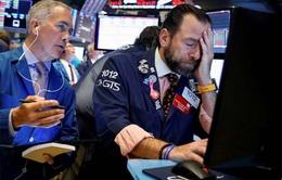 """Bán tháo cổ phiếu công nghệ, chứng khoán Mỹ """"đổ nhào"""""""