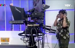 Nữ quay phim đầu tiên của Truyền hình Việt Nam vẫn phong độ ở tuổi 76