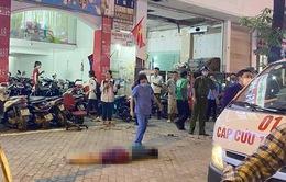 Nam thanh niên rơi từ tầng 5 tòa nhà trên phố Xã Đàn tử vong tại chỗ