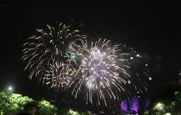TP Hồ Chí Minh: Pháo hoa rực sáng chào đón năm mới 2021