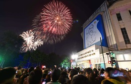 Người dân cả nước rộn ràng chào đón năm mới 2021