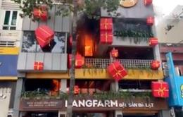 Nhà hàng buffet ở trung tâm TP Hồ Chí Minh bốc cháy ngày đầu năm