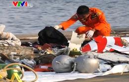 Bắt được tín hiệu có thể từ hộp đen của máy bay rơi tại Indonesia