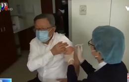 Trung Quốc miễn phí vắc xin COVID-19 cho hơn 1,4 tỉ dân