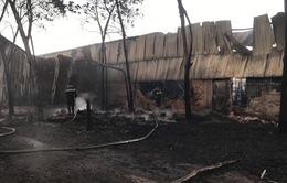 Hỏa hoạn thiêu rụi cơ sở chứa phế liệu rộng 2.000 m2