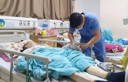Trời rét, người già nhập viện gia tăng