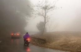 Sương mù dày đặc tại nhiều nơi ở Hà Giang