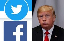 """Facebook, Twitter thiệt hại nặng sau khi """"cấm cửa"""" ông Trump"""