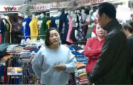 Tiểu thương chợ Đầm bức xúc vì bị yêu cầu di dời vào chợ mới lúc cận Tết