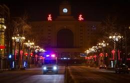 """Nhân viên tiếp thị """"siêu lây nhiễm"""" cho 102 người, Trung Quốc phong tỏa thêm 3 triệu dân"""
