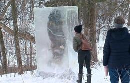 """""""Tượng băng người tối cổ"""" kỳ lạ trên núi tuyết"""