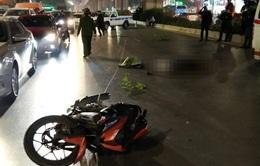 Tạm giữ thanh niên tông xe máy làm cô gái trẻ và cụ bà tử vong ở Hà Nội