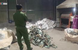 Bắt quả tang cơ sở sơ tái chế linh kiện điện tử hoạt động không phép