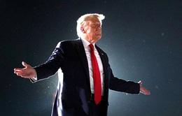 """Cách """"chào tạm biệt"""" Nhà Trắng của ông Trump có gì đặc biệt?"""