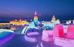 """Lạc trong """"kính vạn hoa tuyết"""" tại lễ hội mùa đông sắc màu ở Trung Quốc"""