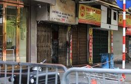Hà Nội đóng cửa các cửa hàng trên phố Phủ Doãn vì liên quan ca mắc mới COVID-19