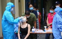Hà Nội xét nghiệm diện rộng cho cư dân quanh Bệnh viện Hữu nghị Việt Đức
