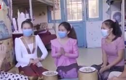 Chăm lo Tết cho lưu học sinh ở lại Việt Nam